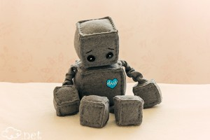 robot igrachka играчка за гушкане робот